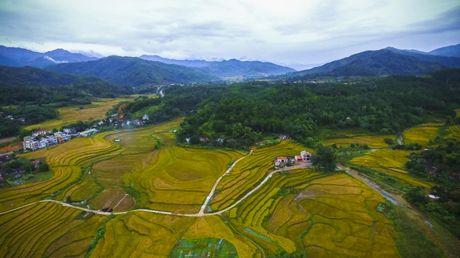 Ngo ngang ve dep hoang so va binh yen noi vung bien Quang Ninh - Anh 3
