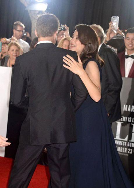 Brad Pitt mot minh len tham do ra mat phim - Anh 5