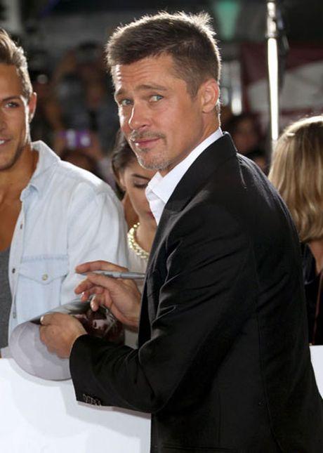 Brad Pitt mot minh len tham do ra mat phim - Anh 6
