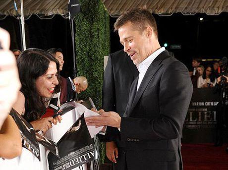Brad Pitt mot minh len tham do ra mat phim - Anh 7