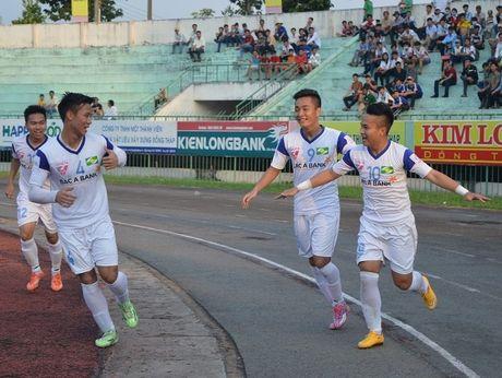 Bon van de cua Song Lam Nghe An - Anh 1