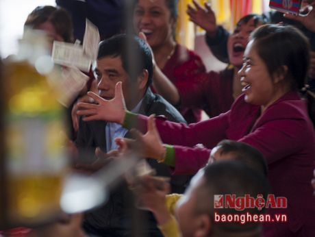 Ghe Den Hoang Muoi xem hau dong - Anh 10