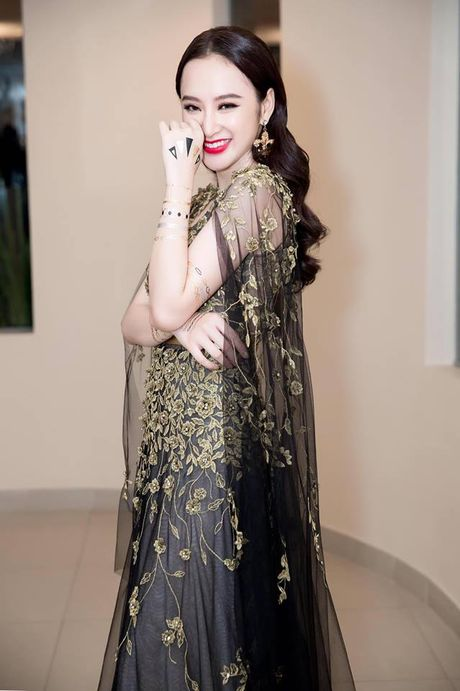 Angela Phuong Trinh khoe hinh 'tha thu' kin tay ben trai dep - Anh 2