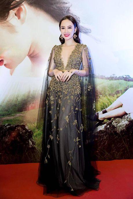 Angela Phuong Trinh khoe hinh 'tha thu' kin tay ben trai dep - Anh 4