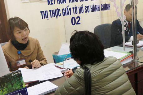 Luong co so se tang len muc 1,3 trieu dong/thang: Phai giam bien che, giam chi tieu cong - Anh 2