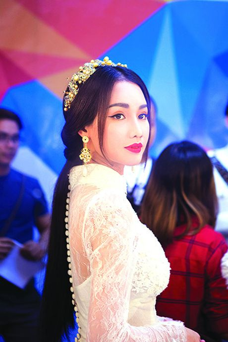 Tai nang dang tran ngap song truyen hinh - Anh 2