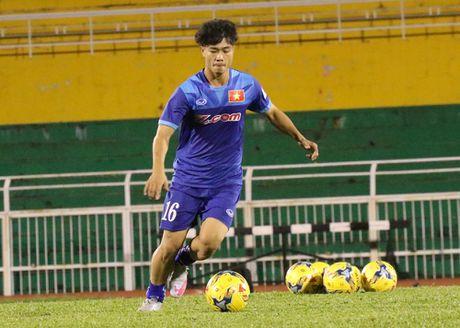 Cong Phuong bat ngo duoc Van Toan 'tang boc' - Anh 1
