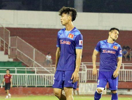 Cong Phuong bat ngo duoc Van Toan 'tang boc' - Anh 2