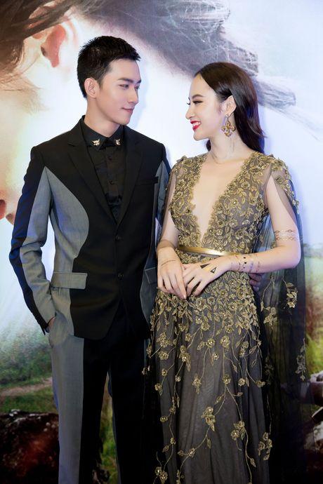 Vo Canh nguong ngung khi duoc hoi ve nu hon voi Angela Phuong Trinh - Anh 1
