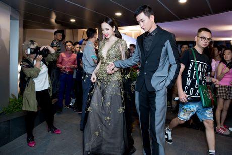 Vo Canh nguong ngung khi duoc hoi ve nu hon voi Angela Phuong Trinh - Anh 3