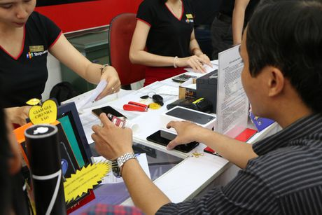 Bo doi iPhone 7 chinh thuc mo ban tai thi truong Viet Nam - Anh 2