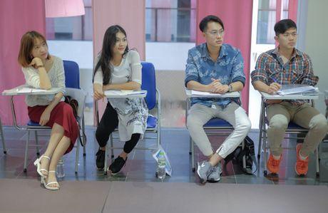 Con gai dien vien Kieu Trinh hao hung khi duoc hoc dien xuat bai ban - Anh 1