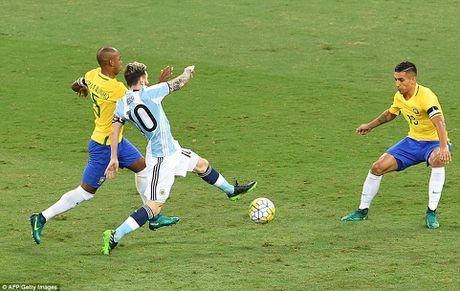 Bi Brazil ha nhuc, Argentina roi vao khung hoang - Anh 2