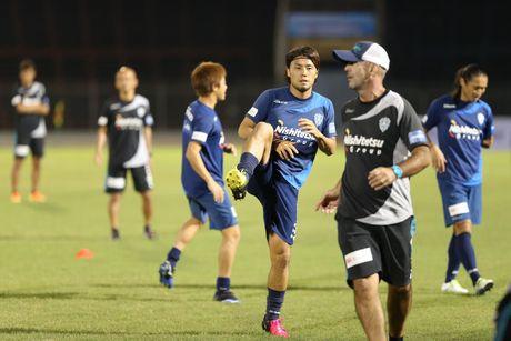 Tuyen Viet Nam tap nhe, Fukuoka tap kin - Anh 1