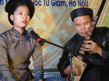 Khai mac Lien hoan tai nang tre ca tru Ha Noi 2016 - Anh 1