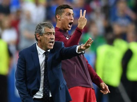 Ronaldo bo ngo dan dat Real sau khi treo giay - Anh 1