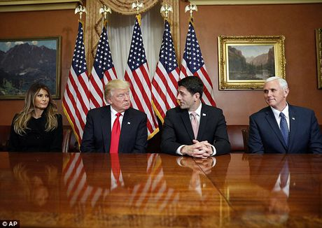 Ngay ban ron dau tien cua phu nhan Trump o Washington - Anh 6
