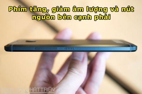 Can canh smartphone chong nuoc, man hinh 2K vua duoc HTC ra mat - Anh 14