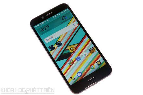 Can canh smartphone chong nuoc, man hinh 2K vua duoc HTC ra mat - Anh 19