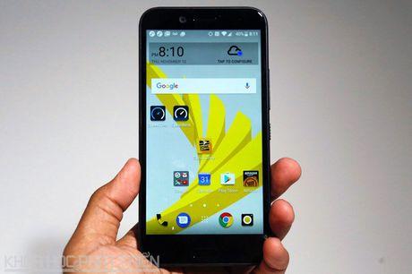 Can canh smartphone chong nuoc, man hinh 2K vua duoc HTC ra mat - Anh 20