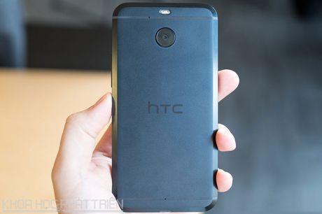 Can canh smartphone chong nuoc, man hinh 2K vua duoc HTC ra mat - Anh 24