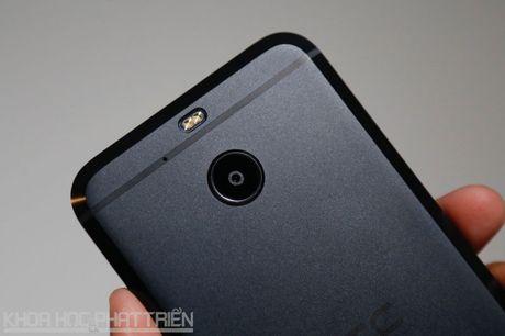 Can canh smartphone chong nuoc, man hinh 2K vua duoc HTC ra mat - Anh 25