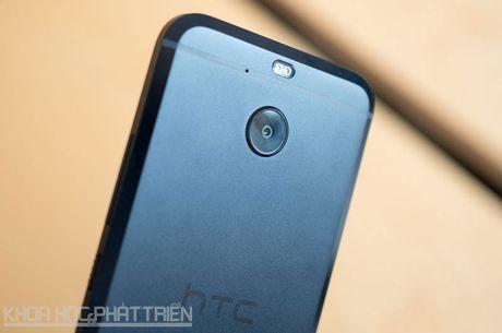 Can canh smartphone chong nuoc, man hinh 2K vua duoc HTC ra mat - Anh 26
