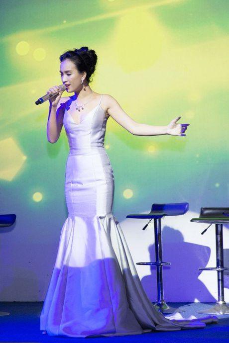 Ai Phuong chap nhan dau don khi bo lai cuoc tinh 10 nam - Anh 3