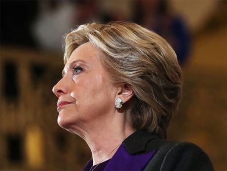 That cu, Hillary ve nha di bo leo nui cung chong - Anh 2