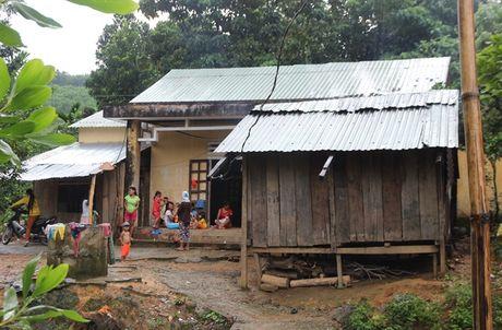 Nhuong dat cho thuy dien, dan Quang Nam ve khu tai dinh cu khon kho tram be - Anh 6