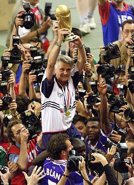 Con dong kinh cua Ronaldo tai World Cup 1998: Thuyet am muu va bi mat khung khiep - Anh 10