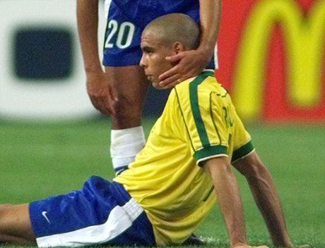 Con dong kinh cua Ronaldo tai World Cup 1998: Thuyet am muu va bi mat khung khiep - Anh 11
