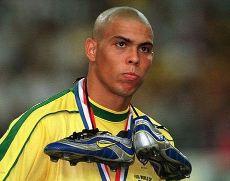 Con dong kinh cua Ronaldo tai World Cup 1998: Thuyet am muu va bi mat khung khiep - Anh 13