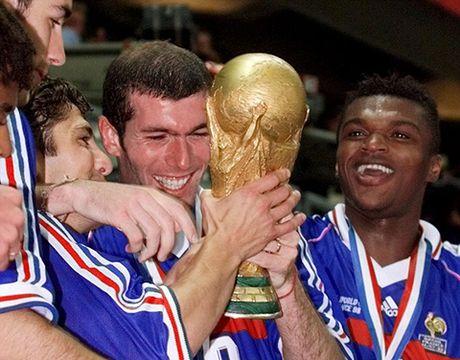 Con dong kinh cua Ronaldo tai World Cup 1998: Thuyet am muu va bi mat khung khiep - Anh 9
