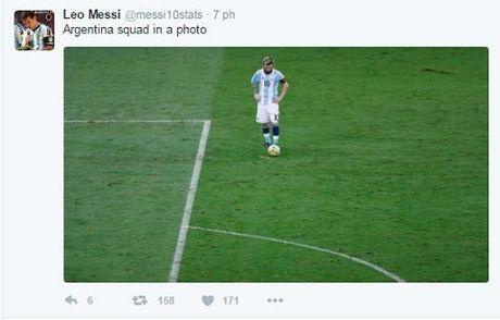 Messi va dong doi bi chi trich nang ne khi Argentina thua tham Brazil - Anh 4