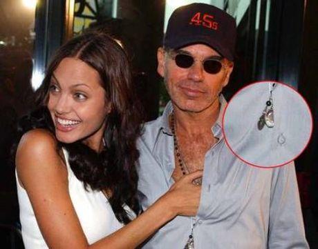 Du co chung 'lo mau' nhung Billy Bob Thornton van thieu tu tin khi o ben Angelina Jolie - Anh 5