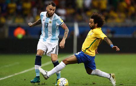 Cham diem Brazil 3-0 Argentina: Neymar che mo Messi - Anh 16