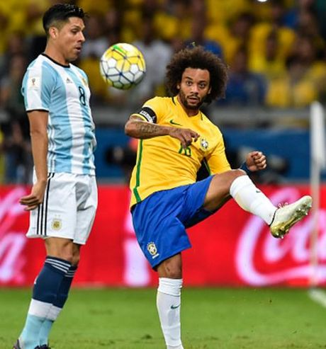Cham diem Brazil 3-0 Argentina: Neymar che mo Messi - Anh 19