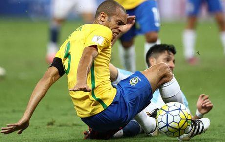 Cham diem Brazil 3-0 Argentina: Neymar che mo Messi - Anh 5