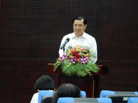 Chu tich Da Nang phe binh thang can bo vang hop - Anh 1