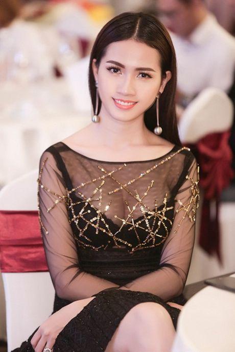 Phan Thi Mo tai xuat goi cam voi dam mong manh - Anh 4