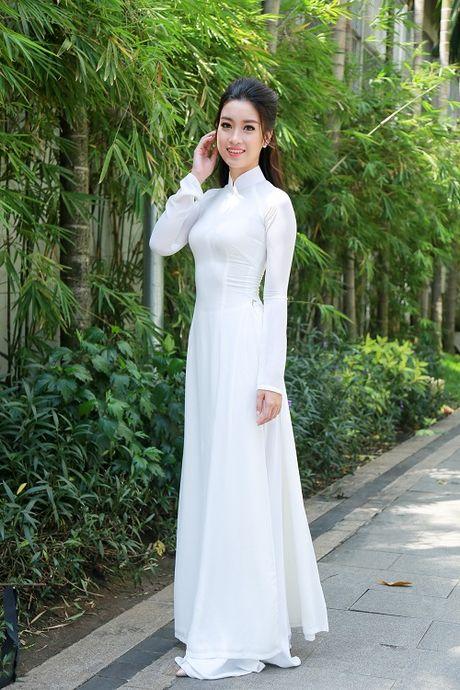Cung dien ao dai, My Linh - Thanh Tu ai quyen ru hon? - Anh 3