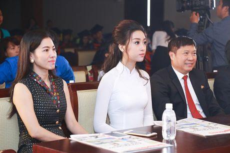 Cung dien ao dai, My Linh - Thanh Tu ai quyen ru hon? - Anh 4