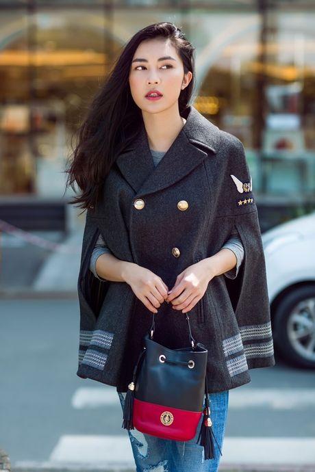 Hotgirl Helly Tong 'dung style' voi chan dai Gigi Hadid - Anh 1