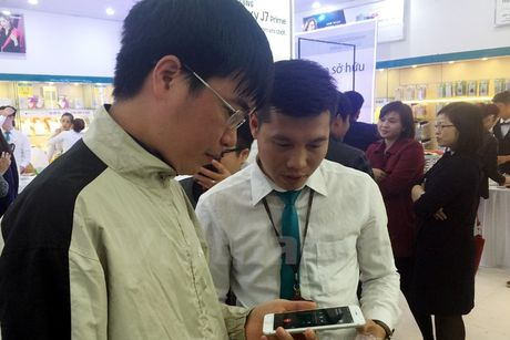Khong co canh xep hang mua iPhone 7 o Viet Nam - Anh 7