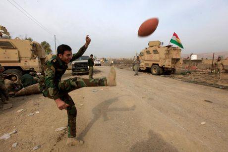 Toan canh chien su ac liet o Mosul mot tuan qua - Anh 4