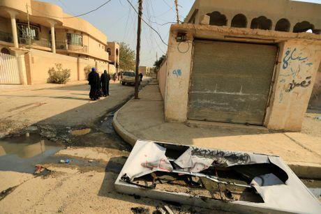 Toan canh chien su ac liet o Mosul mot tuan qua - Anh 9