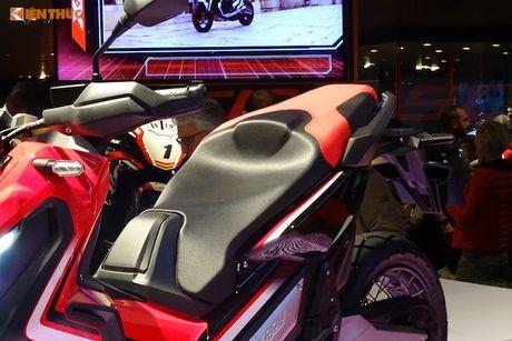 'Phuot thu' tay ga Honda X-ADV tai trien lam EICMA 2016 - Anh 8