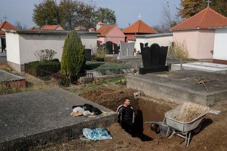 Ghe tham nghia trang sieu sang o Serbia - Anh 5