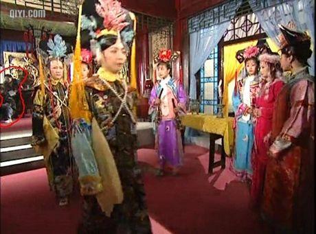 Nhung loi hai huoc trong phim Hoan Chau Cach Cach - Anh 11